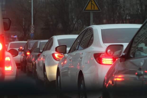 Оползень заблокировал один из въездов в Севастополь