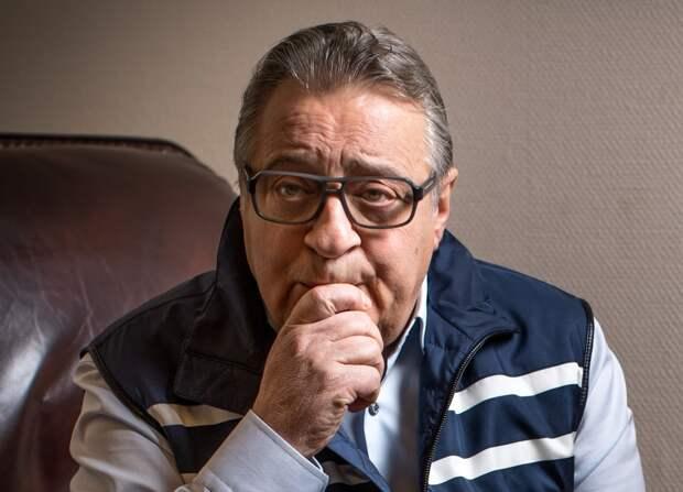 74-летнего Геннадия Хазанова госпитализировали