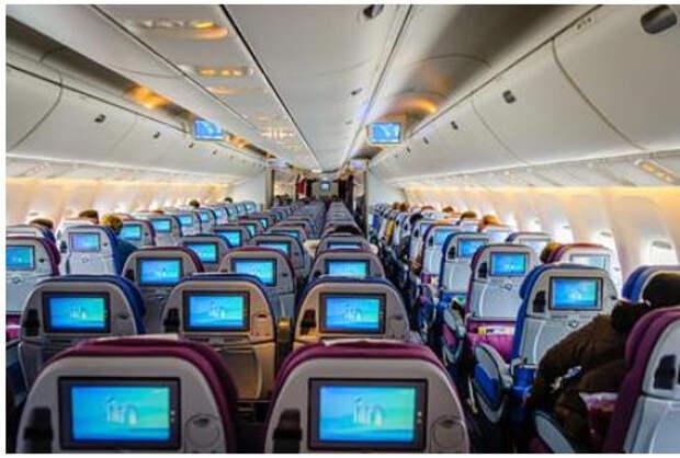 Раскрыта причина «протекающего потолка» в самолетах