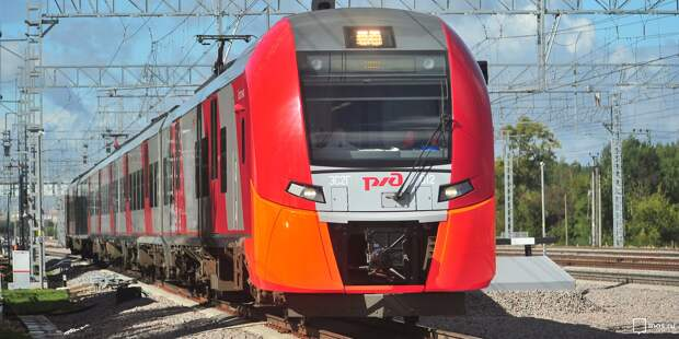 В электричках на Ленинградском направлении заработала бесконтактная оплата проезда