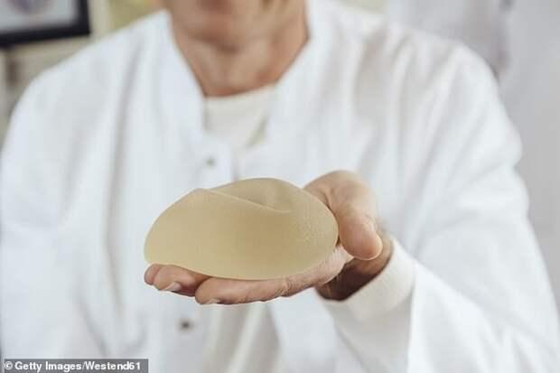 Силиконовая грудь увеличивает риски: артрита - на 600%, выкидыша - на 450%, рака - на 400%