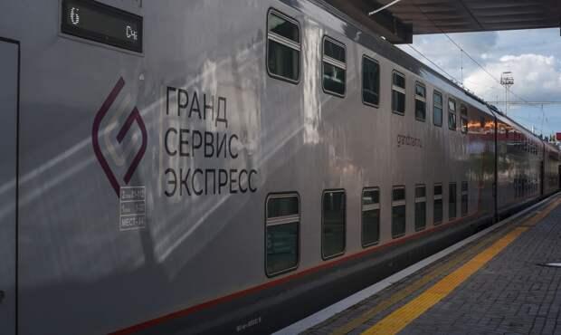 Более полумиллиона туристов прибыли в Крым поездами «Таврия»