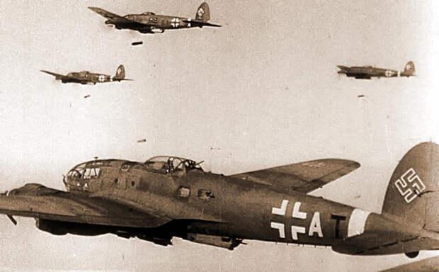 Фашистские бомбардировщики