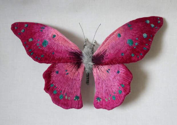 Реалистичные скульптуры в виде красочных бабочек от Yumi Okita.
