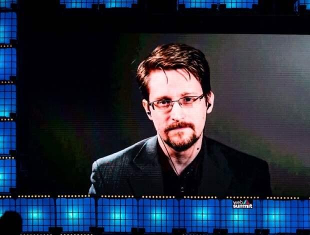 Сноуден собирается остаться в России ещё на три года