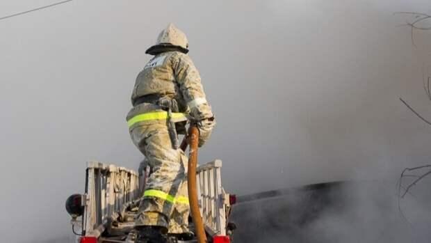 Движение на Большой Никитской в Москве перекрыто из-за пожара