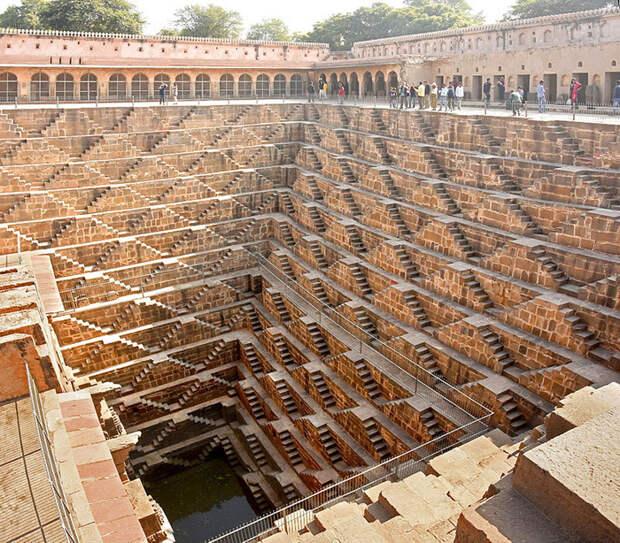Ступенчатая индийская достопримечательность.  /Фото: picfair.com