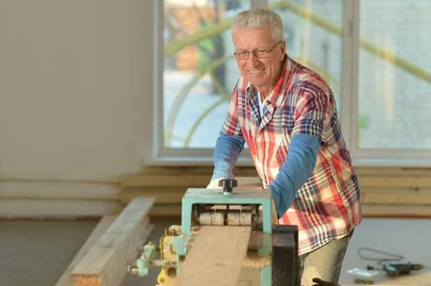 Студенты на пенсии. Каким профессиям и где могут научиться люди старше 50
