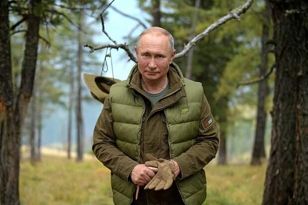 А дедушка бодрячком! Владимир Путин отметил свой день рождения. Сколько лет президенту и как долго он у власти?