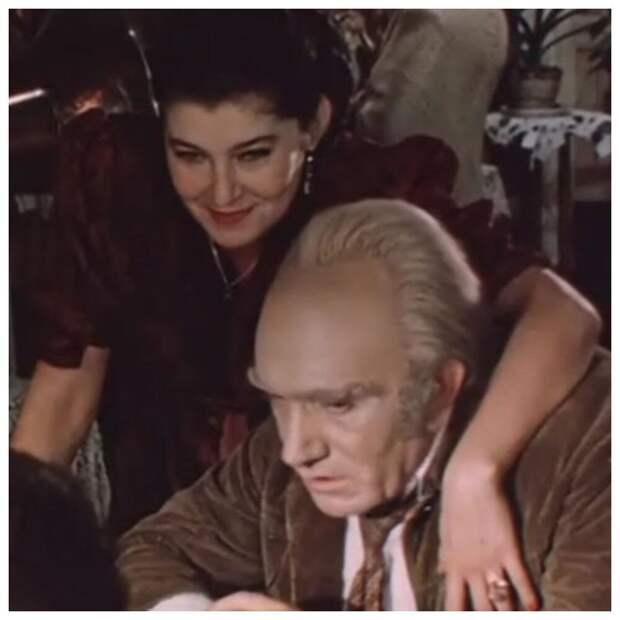 Красавица актриса, исполнившая роль многострадальной Шуры в «Место встречи изменить нельзя»