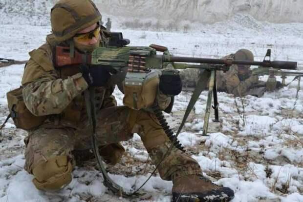 Боец ВСУ расстрелян сослуживцами под Дмитровкой на Донбассе