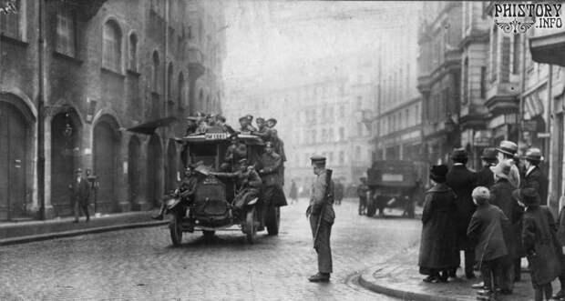 Жизнь Советского Союза в фотографиях. 1917-20-е... Ч.2