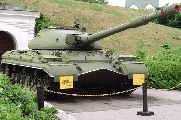 Последний тяжелый: танк Т-10А приняли на вооружение 65 лет назад