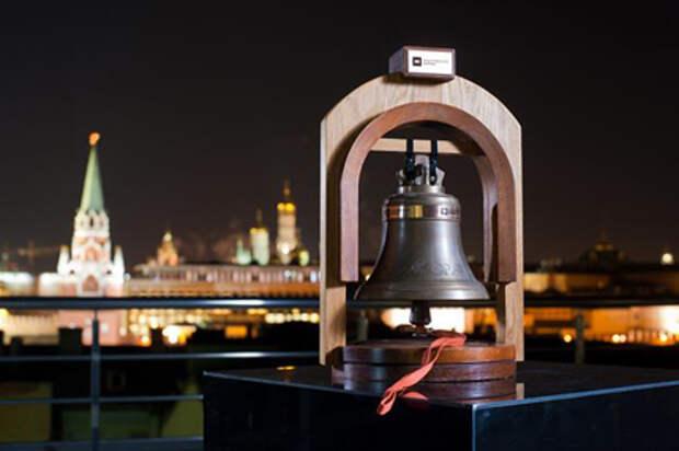 Московская биржа планирует в сентябре начать торги акциями иностранных компаний в долларах