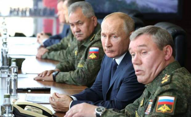 Тройное заявление: Путин, Шойгу и Герасимов рассказали о вероятности войны