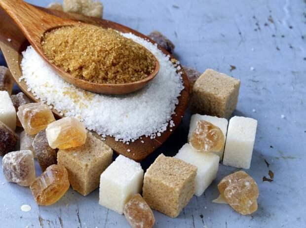 Диетолог оценила вред полного отказа от сахара