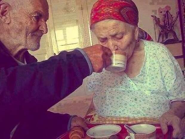 Не за красоту в тебя влюбился, и не за старость разлюблю.