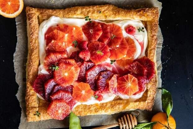Пирог с красными апельсинами и кремом