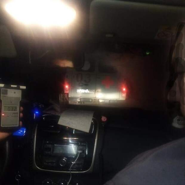 В Челябинской области сотрудники ДПС поймали пьяного водителя скорой