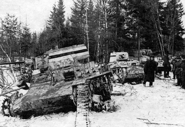 На фото – финские танки, подбитые у Хонканиеми. военная техника, военное, история, много букв, танки, танки СССР, техника, факты