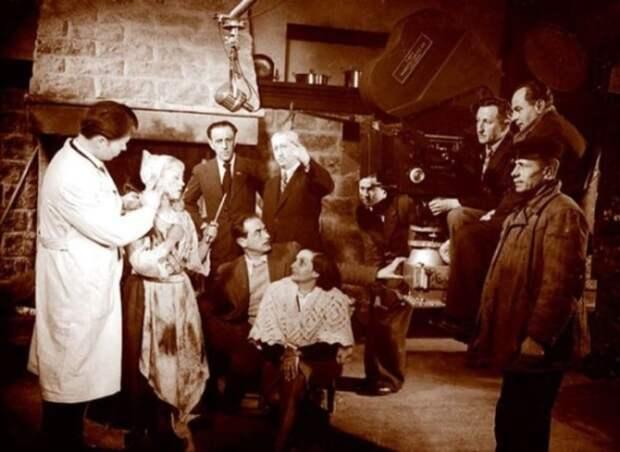 Рабочий момент съемок фильма «Золушка», 1946 год