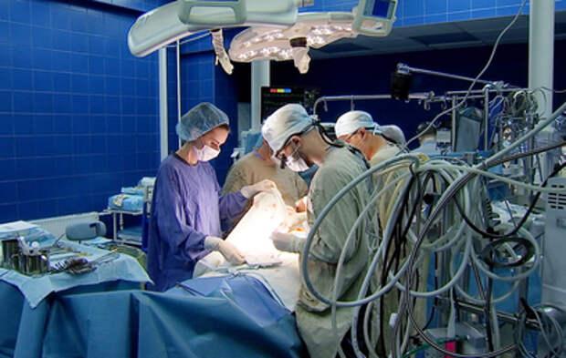 Московские хирурги удалили пациентке опухоли груди и сердца за одну операцию