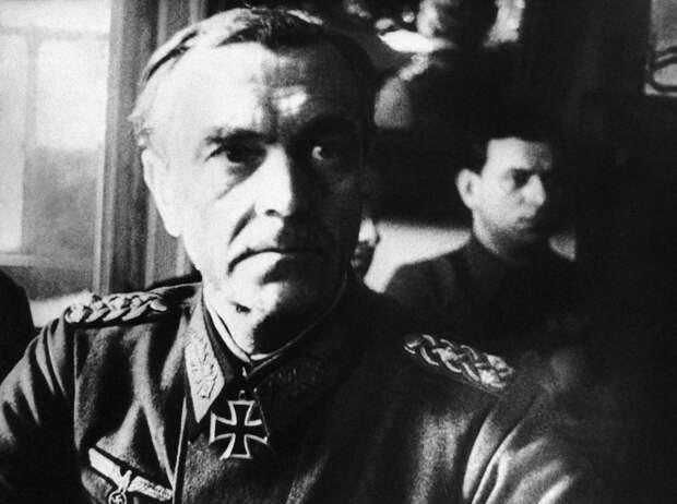 Что случилось с фельдмаршалом Паулюсом после Сталинградской битвы