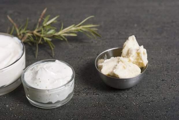 Масло карите и аргановое масло питают тонкую кожу и предотвращают мешки под глазами