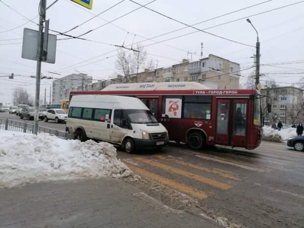 Тульские маршрутчики поддержали челлендж новомосковских и попрятали валидаторы