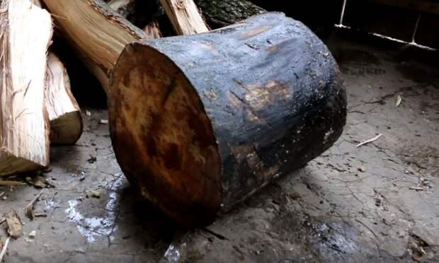 Следует взять сухое полено, от диаметра которого будет зависеть длительность горения / Фото: rukami.boltai.com