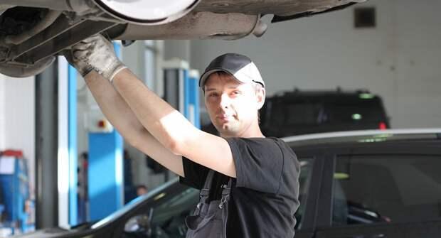 Водители в РФ стали экономить на визитах в автосервис