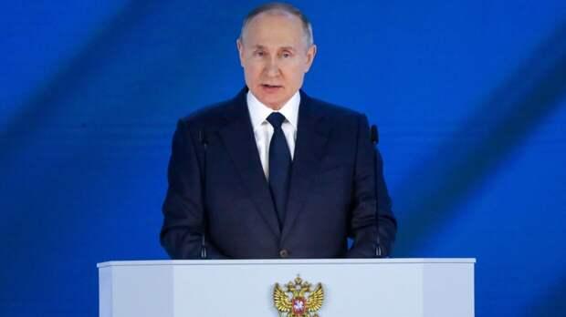 Путин постоянно контактирует с Правительством РФ в связи со стрельбой в Казани