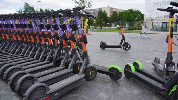 В России предложили запретить пользоваться электросамокатами весом более 35 кг