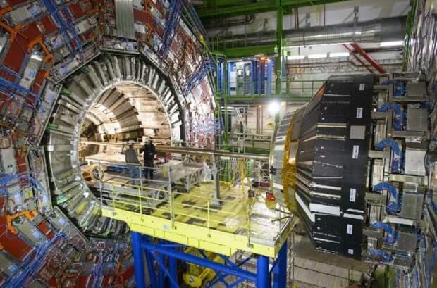 Так выглядит Большой адронный коллайдер в ЦЕРН. Красота!