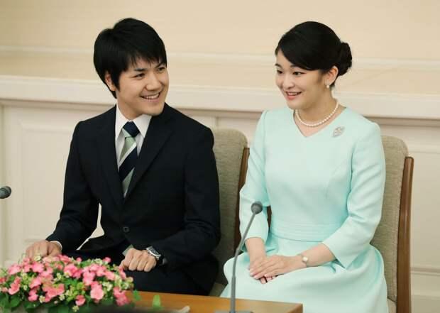 Японская принцесса выходит замуж за простолюдина