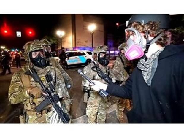 «Цветная революция» в Америке становится практически неизбежной