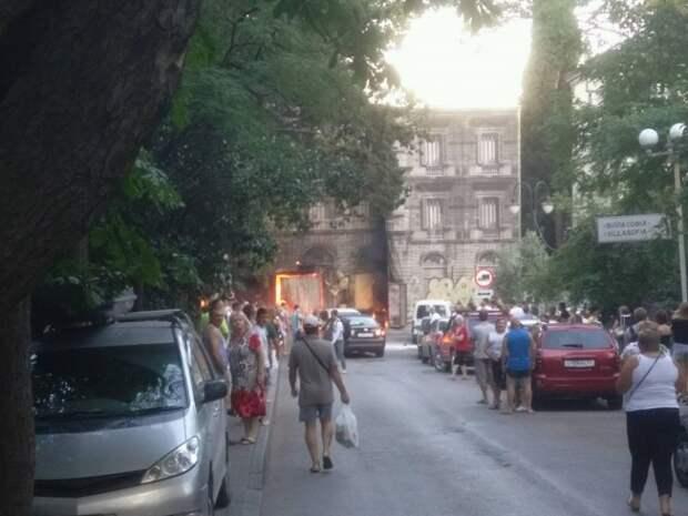 В Крыму в доме «с бомжами» произошёл пожар (фото)