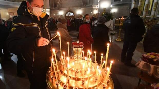 Верующие отмечают Рождество Пресвятой Богородицы