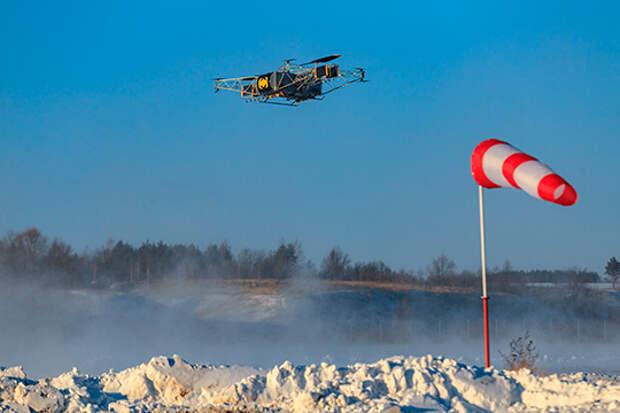 В проект регламента вернулся пункт о страховании ответственности владельца дрона. Помимо адреса взлета и посадки в будущем придется указывать и GPS-координаты. А срок выдачи разрешения увеличился с 5 до 10 дней