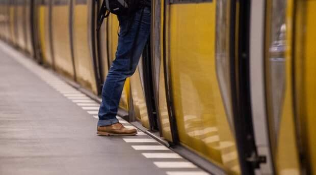 Безбилетный проезд: может ли контролер задержать нарушителя