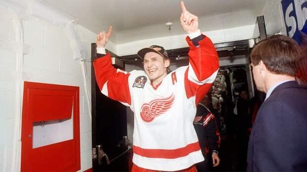 Легендарный гол русского хоккеиста Федорова в США. В 21 год он стал первым игроком из СССР, забившим в плей-офф НХЛ
