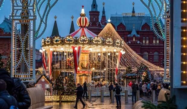 Новогодние каникулы в России предложили урезать до трех дней