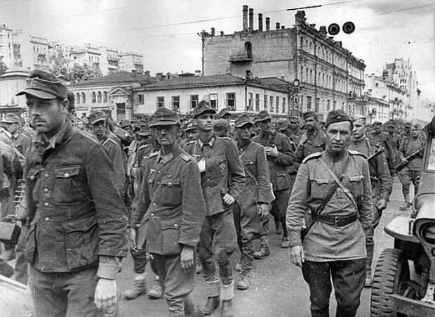 «Парад побежденных»: главные тайны марша пленных немцев в Москве
