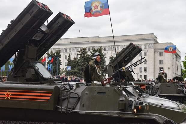 Парад Великой Победы в Донецке и Луганске 9 мая 2021 года