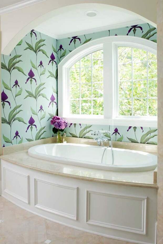 ванная под окном