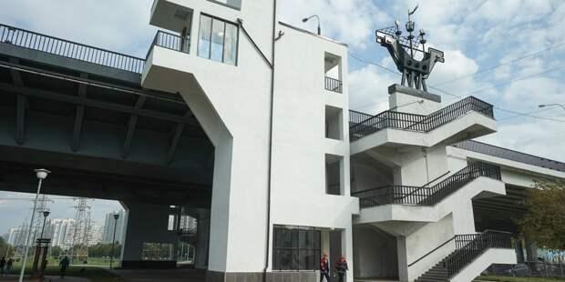 На Братеевском мосту заработали четыре лифта для маломобильных граждан