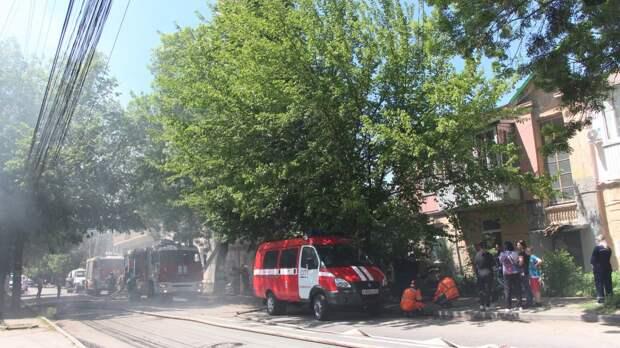 Улицу в центре Симферополя перекрыли из-за пожара