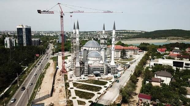 Путин поручил ускорить строительство Соборной мечети в Симферополе