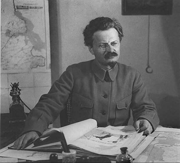 Первый после Ленина — Лев Давидович Троцкий. Интересные факты из биографии