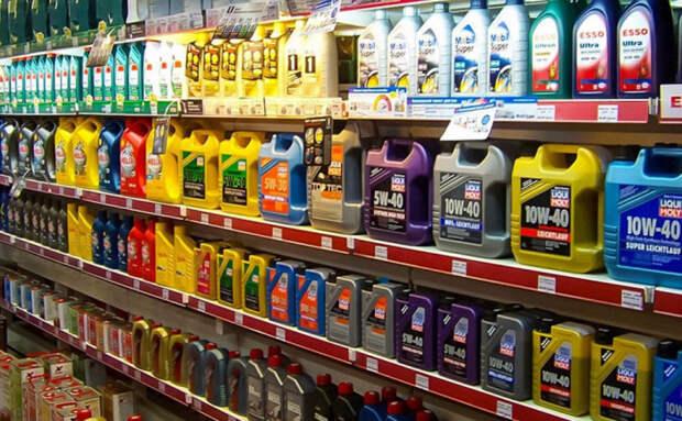 Выбор масла очень большой, однако брать большую канистру нет никакого смысла. /Фото: drive2.com.